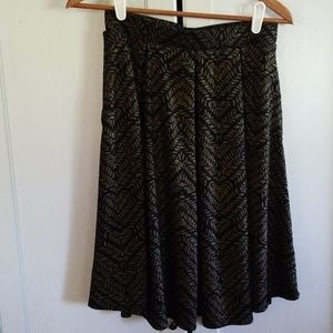 Lularoe skirt black with gold. Size small